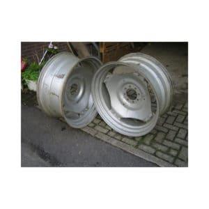 Van den Bosch Tractoren: Velgen Case IH - Maat 15x34