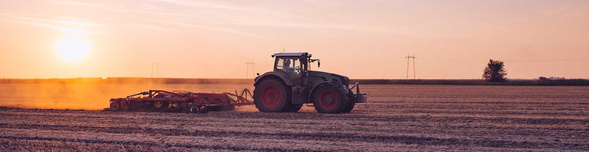 Van den Bosch Tractoren: Neem contact met ons op